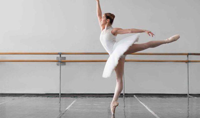 https://calanguages.com/wp-content/uploads/2019/05/inner_event_dance_03-640x379.jpg